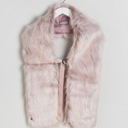 Urbancode Faux Fur Pink Scarf with Ring Fastening 2